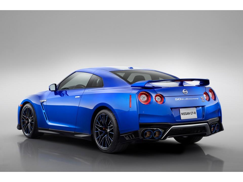 نيسان GT-R 2021
